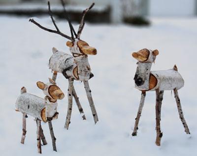 wood reindeers 2